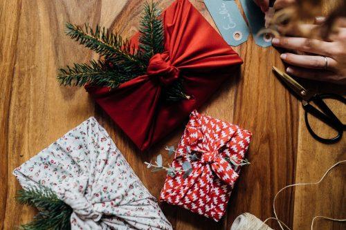 Furoshiki emballage Noël zéro déchet