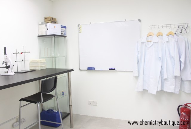 Lab Bench for IGCSE tuition lab