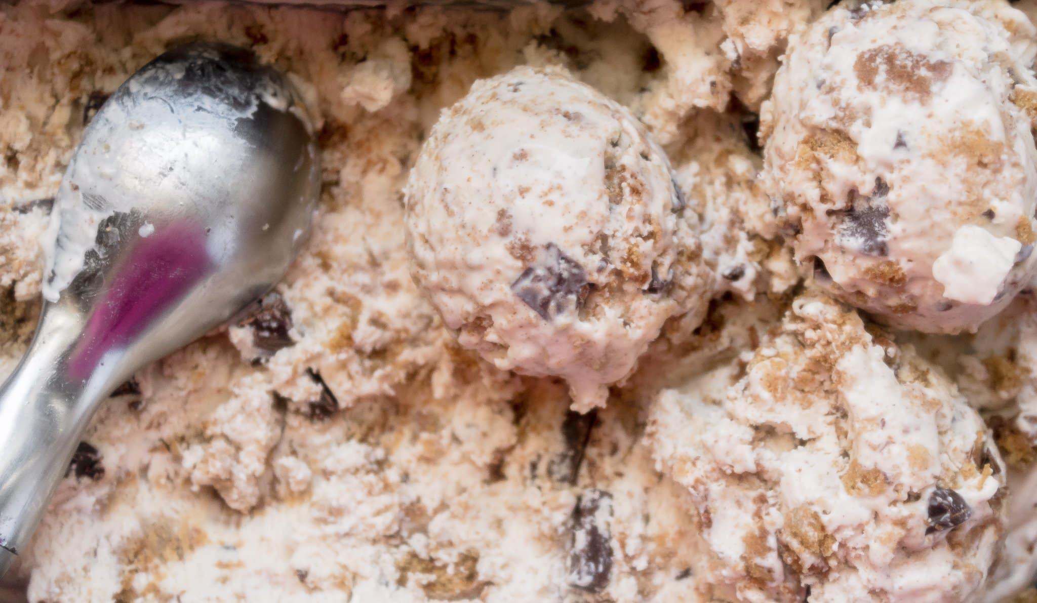 No-Churn Oatmeal Cookie Chunk Ice Cream