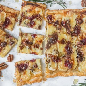 Brie and Cranberry Tart with Puff Pastry