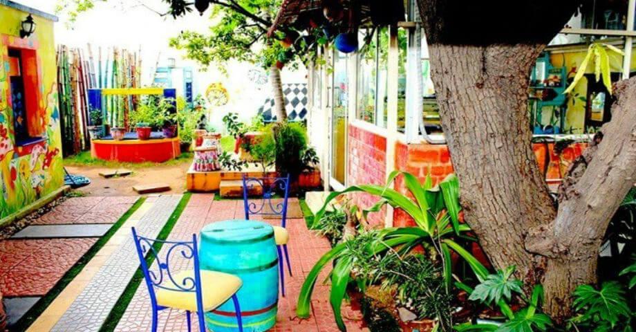 MadHatter's Tea Garden -Best Theme Restaurants in Chennai