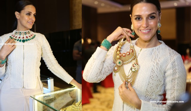 Nazraana-Retail-Jeweller-India-Awards-2015
