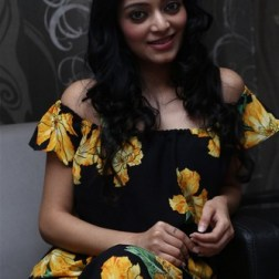 Actress Janani Iyer Launches Toni Guy Essensuals Vellore