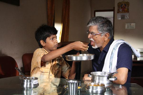 Nayyapudai Tamil Movie Review by Chennaivision