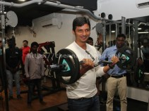 Actor Jiiva Inaugurated Muscle Garage GYM 10