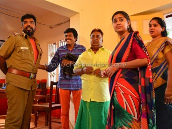 Kadamanpaarai Tamil Movie Photos