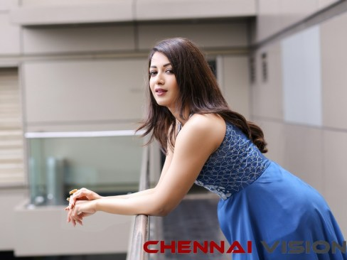 Actress Catherine Tresa Latest Photo
