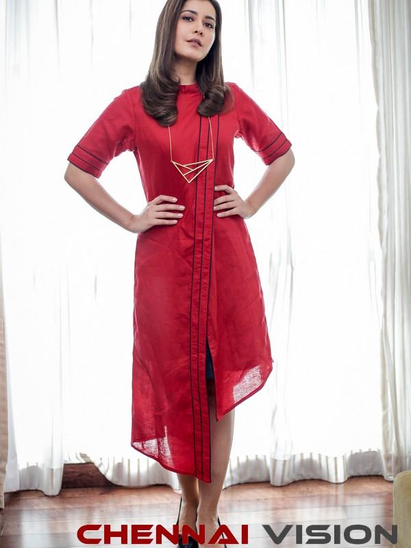 Actress Raashi Khanna Latest photoshoot Photos 2
