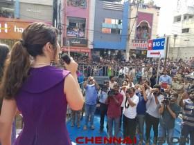 Actress RaashiKhanna launching a Big C store in Rajahmundry Event Photos 4