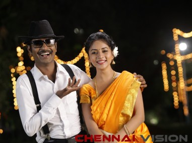 MAANIIK Tamil Movie Photos 9