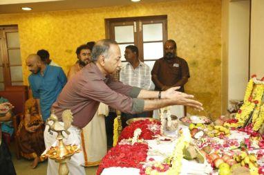 Vijay TV Fame Ramar Pairs with Sanjay Galrani Movie Pooja Photos (9)