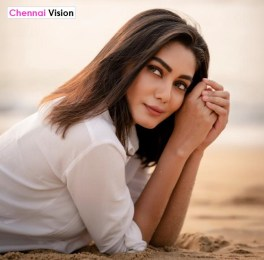 Breezy Beauty @SANAKHAN_93 rocking glamour look in white outfit