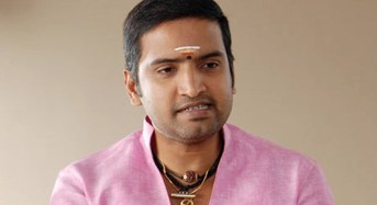 Santhanam in Dubai for Server Sundaram