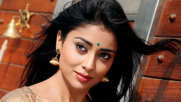 Men still tease women Shriya
