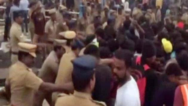 Violence in Marina Cops lathicharge, protesters torch police station