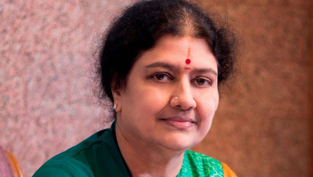Sasikala sacks Madhusudhanan, appoints Sengottaiyan as presidium chairman