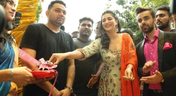 Actress Shruti Haasan launches Neeru's the First Flagship Family Store in Chennai on 13 Oct