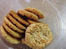 Anzac biscuits, perfect voor bij een kop thee. Ze zijn ook makkelijk thuis te maken.