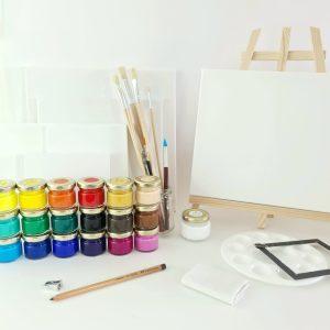 Comprehensive acrylic paint kit