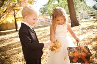 flower-girl-with-leaves