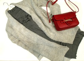 Φόρεμα 32,90€ (από 45,90€) Τσάντα 19,90€ (από 29,90€)