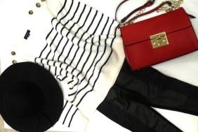 Μπλούζα 27,90€ (από 39,90€) Τσάντα 19,90€ (από 29,90€)