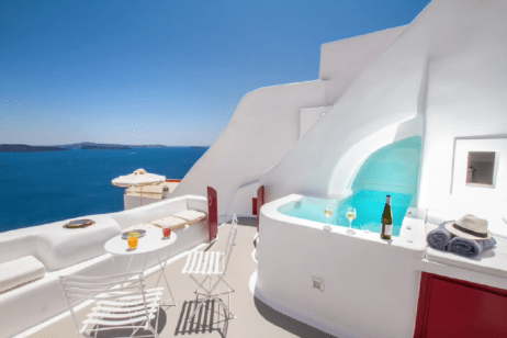11259463_this-stunning-airbnb-is-carved-into-a-cliff_t931b1388