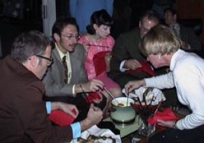 hostess_fondue