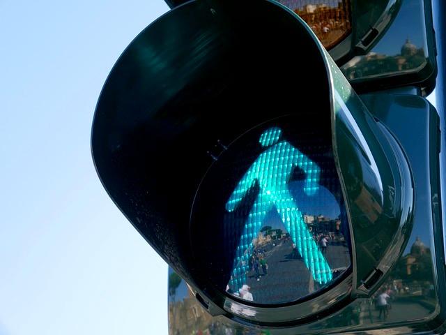 traffic-light-1024768_640