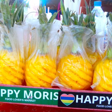 Mauritius Grand Baie Cherrylsblog.com Pineapples DSCN8561