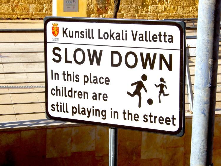 Valletta Malta Traffic Cherrylsblog.com DSCN9628