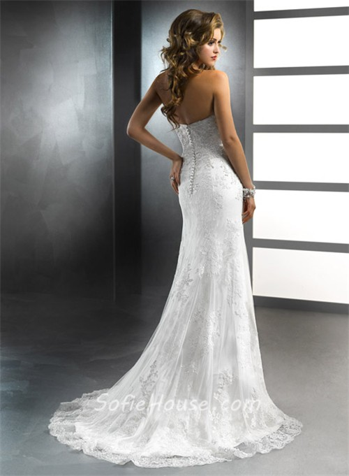 trumpet vintage lace wedding dress with sweetheart neckline
