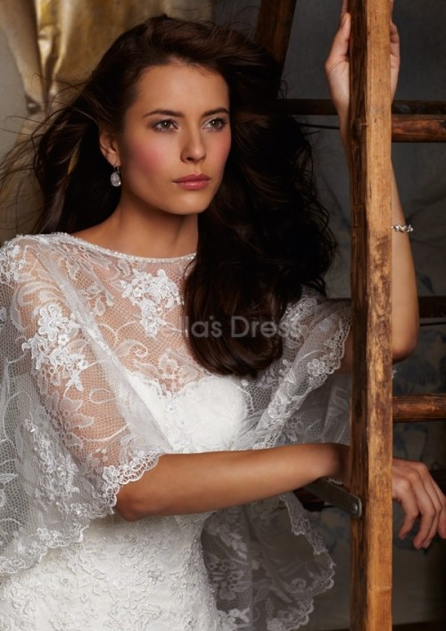vintage lace wedding dress with sweetheart neckline and buttons sheath