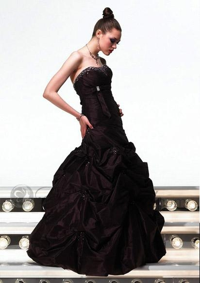 cheap strapless lace black wedding dress with ball gown