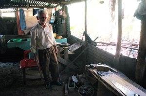 Craftsman in El Salvador