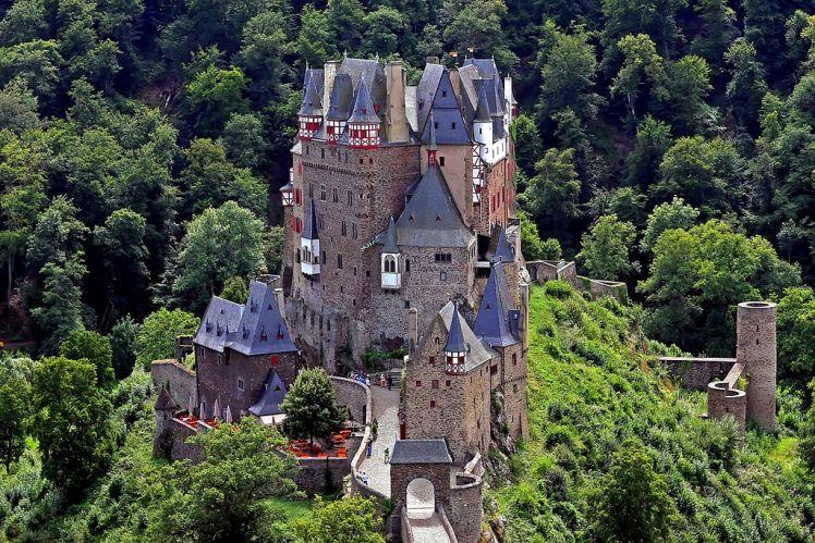 Castillo_de_Burg_Eltz