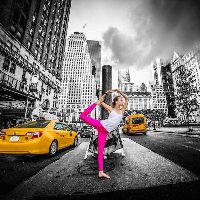 Йога в городе: в новом фотопроекте перемешали хаос с медитацией