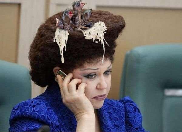 -Я не знаю, как она делает это!- - прическа российского сенатора шокировала иностранную журналистку-10 фото-