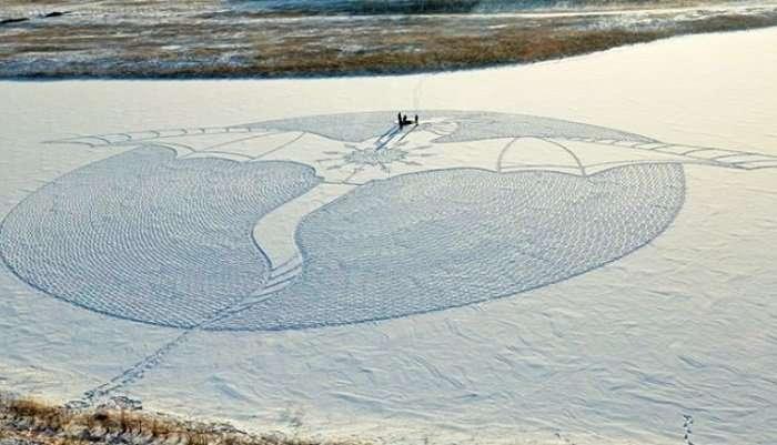 Сначала никто не мог понять, зачем он топчет снег... Но результат его трудов превзошел все ожидания!-13 фото + 1 видео-