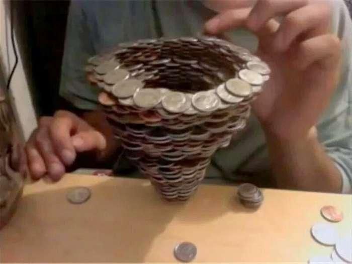 Что можно сделать, если у вас есть куча свободного времени и старая банка с мелочью