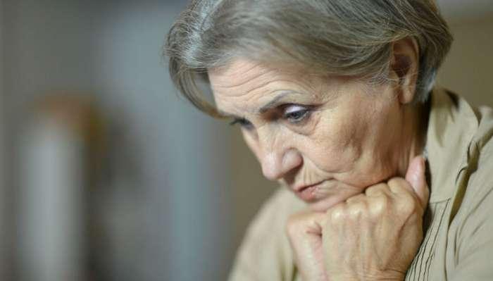 Врач в США признала пациентку слабоумной после того, как заняла у неё 300 тысяч долларов