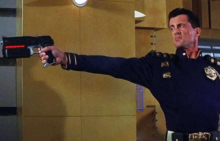 Создан -умный- пистолет, который стреляет только из руки своего хозяина