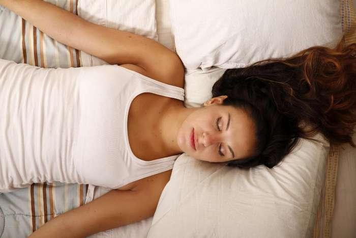 Позы во сне: как положение тела во время ночного отдыха отражается на нашем здоровье