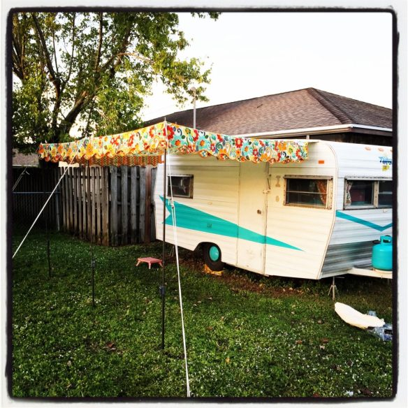 Hang a Vintage Awning by Yourself - Cheryl Boglioli Designs