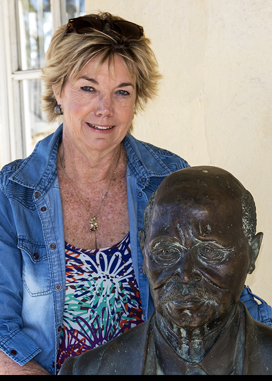 Cheryl posing with the statue of John Dube