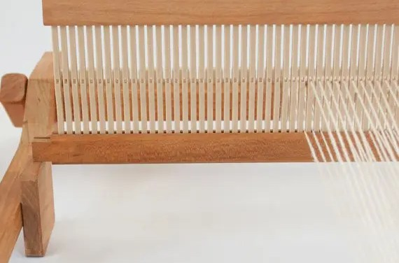 Rigid Heddle Loom:  What Does Rigid Heddle Mean?