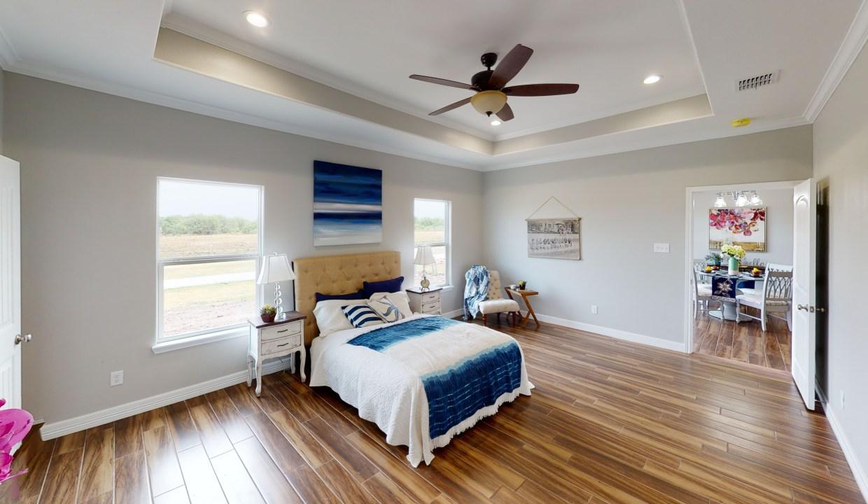 3918-Pennine-Way-Master-Bedroom(2)