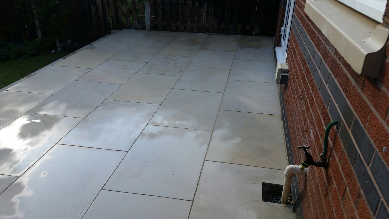 Mint Sawn Smooth Sandstone Paving Pack 900x600 Single