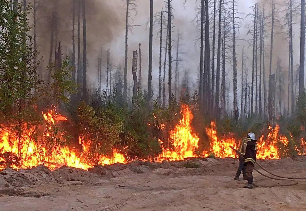 Владимирские спасатели вырвались из огненного плена в Нижегородской области