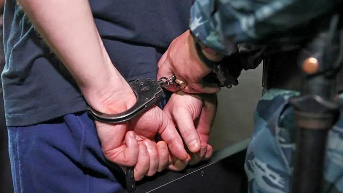 Во Владимире полицейский избил задержанного ради пароля на телефоне